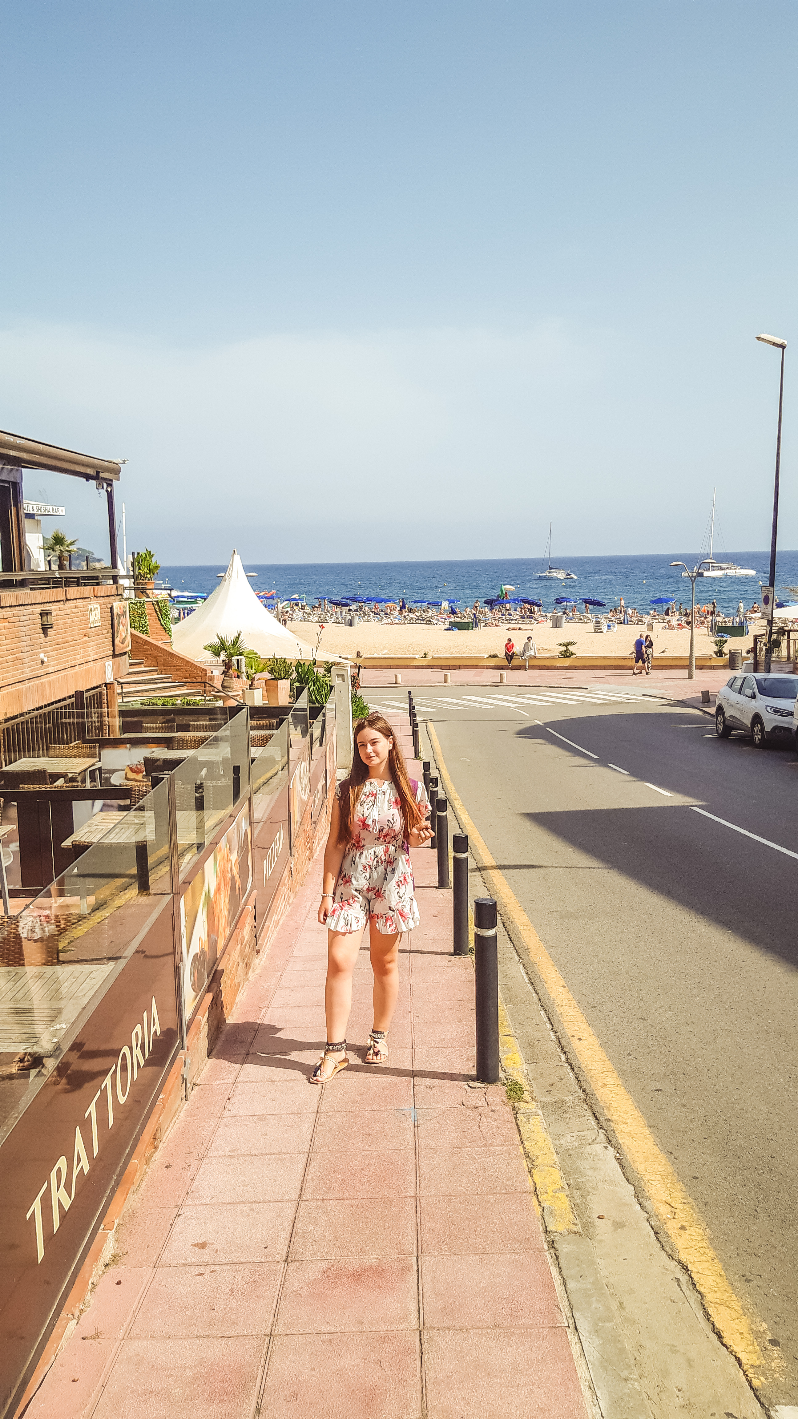 floral summer outfit livinglikev fashion blogger rosegal romper ootd