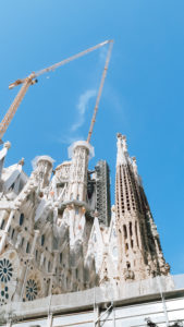sagrada familia barcelona livinglikev fashion blogger