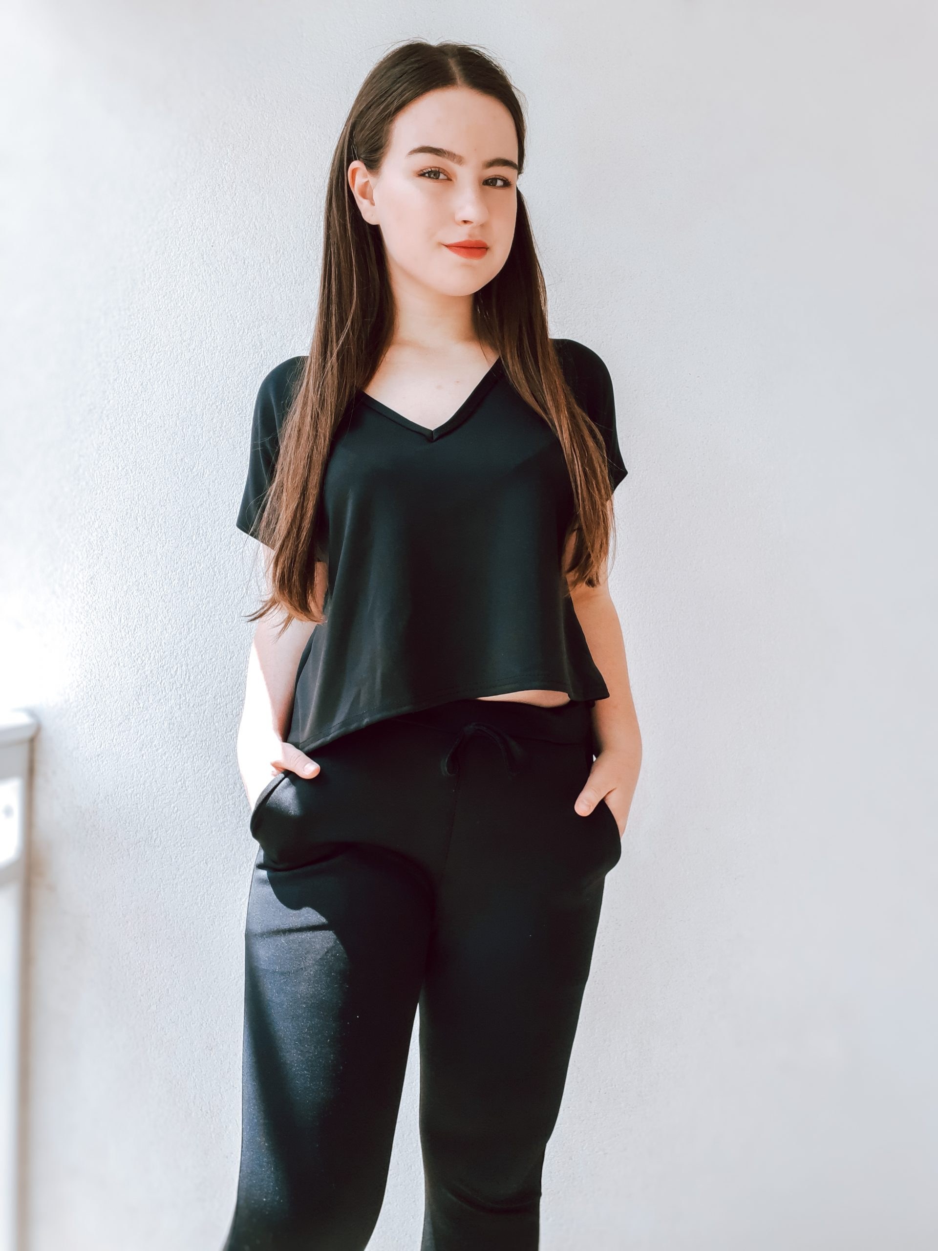 black loungewear set femme luxe living like v fashion blogger