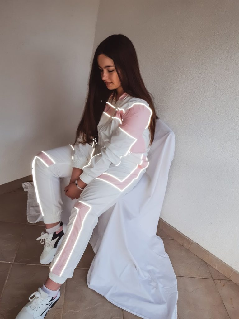 iheartraves-review-livinglikev-fashion-blogger-shoes-outfit-set-jogger-set