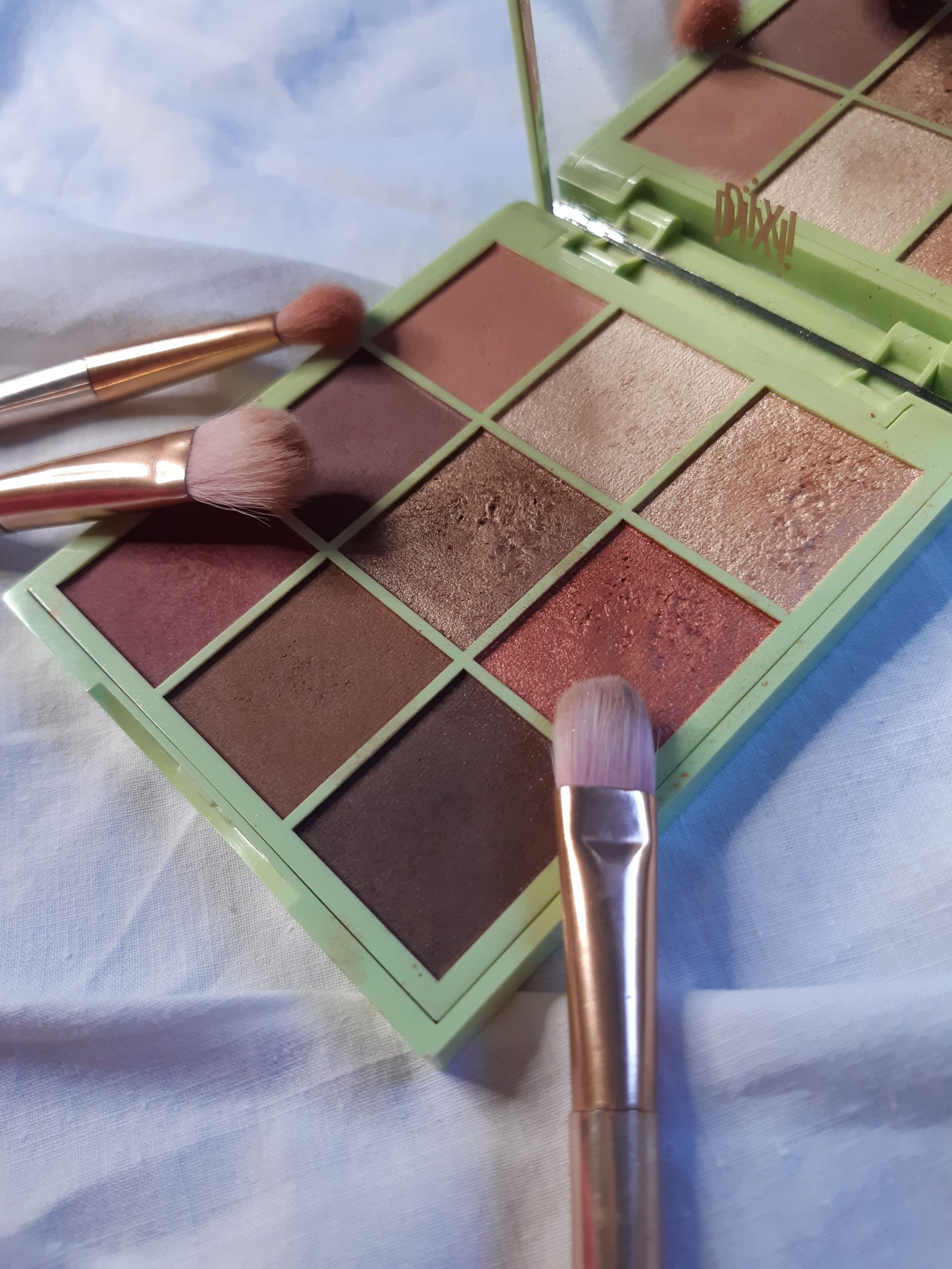 pixi eye effects rosette ray palette review swatches livinglikev fashion blogger living like v
